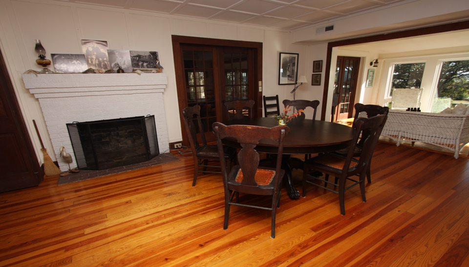 Tilghman-Boyce Cottage Dining